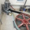 PRODÁM KOMPLETNÍ JEDNOSTUPŇOVÝ PŘEVOD PLOCHÝM ŘEMENEM, včetně generátorové frémy a vlastního generátoru..............